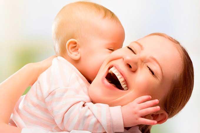 la mama debe estar feliz, polémica ojalá nunca hubiera amamantado a mi bebé