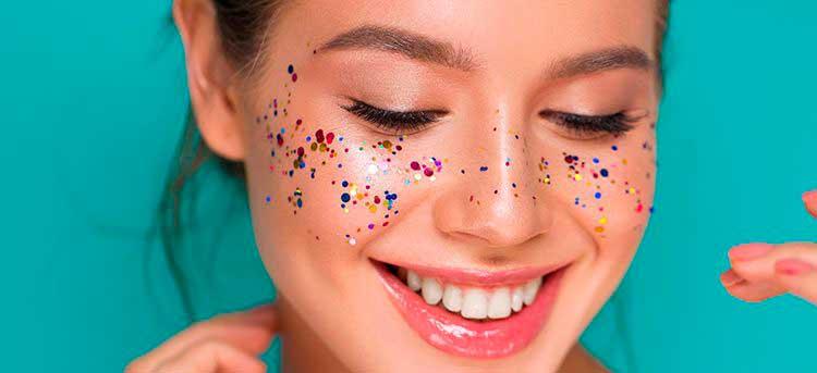 multicolor maquillaje con glitter