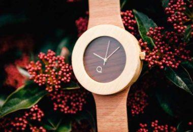 portada reloj de madera seqoya