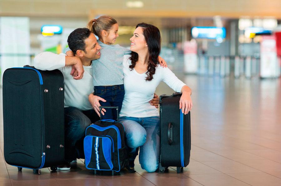 en familia viajar con niños en avión